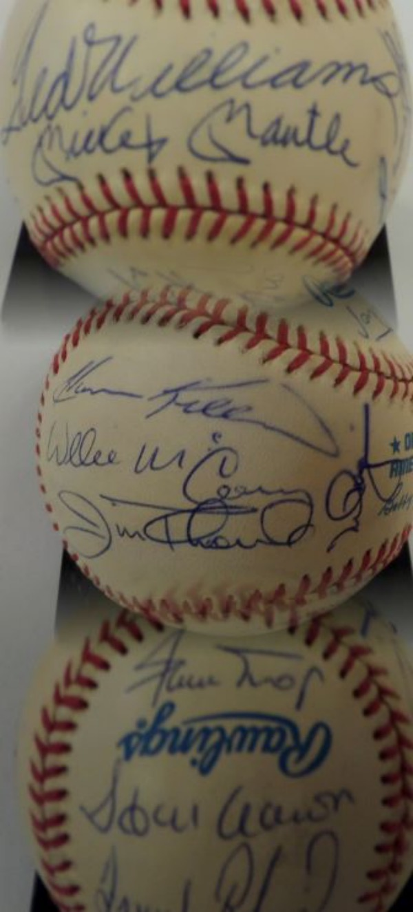 This Official American League Baseball from Rawlings is in VG+/EX overall condition, and comes hand-signed in blue ink by 15 members of the famed 500 Home Run Club.  Included are Williams and Mantle both on the sweet spot, as well as Aaron, Mays, Robinson, Mathews, Jackson, M. Ramirez, Killebrew, McCovey, Thome, McGwire, Schmidt, Banks, and Griffey Jr, and a hologram is included from STAT Authentic (3492) for authenticity purposes.  Valued into the low thousands!