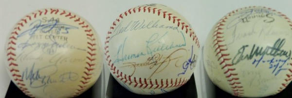 "This ""All Star"" baseball from Sonnett is still in VG+ condition, and comes hand-signed in different colors by 18 members of the famed 500 Home Run Club.  Included are Mantle (ss), Thome, F. Robinson, Mathews, M. Ramirez, Banks, Schmidt, Aaron, Jackson, F. Thomas, T. Williams, Killebrew, Sosa, Mays, McCovey, Griffey Jr and Palmiero, and signature grade 5's all the way up to 9's.  Great looking item, and with 8 of the 18 now deceased, retail is two grand, easily!"